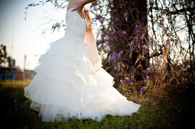 fasony sukien ślubnych